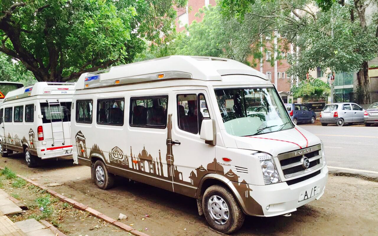 Traveller hire in Delhi, Noida, Gurgaon