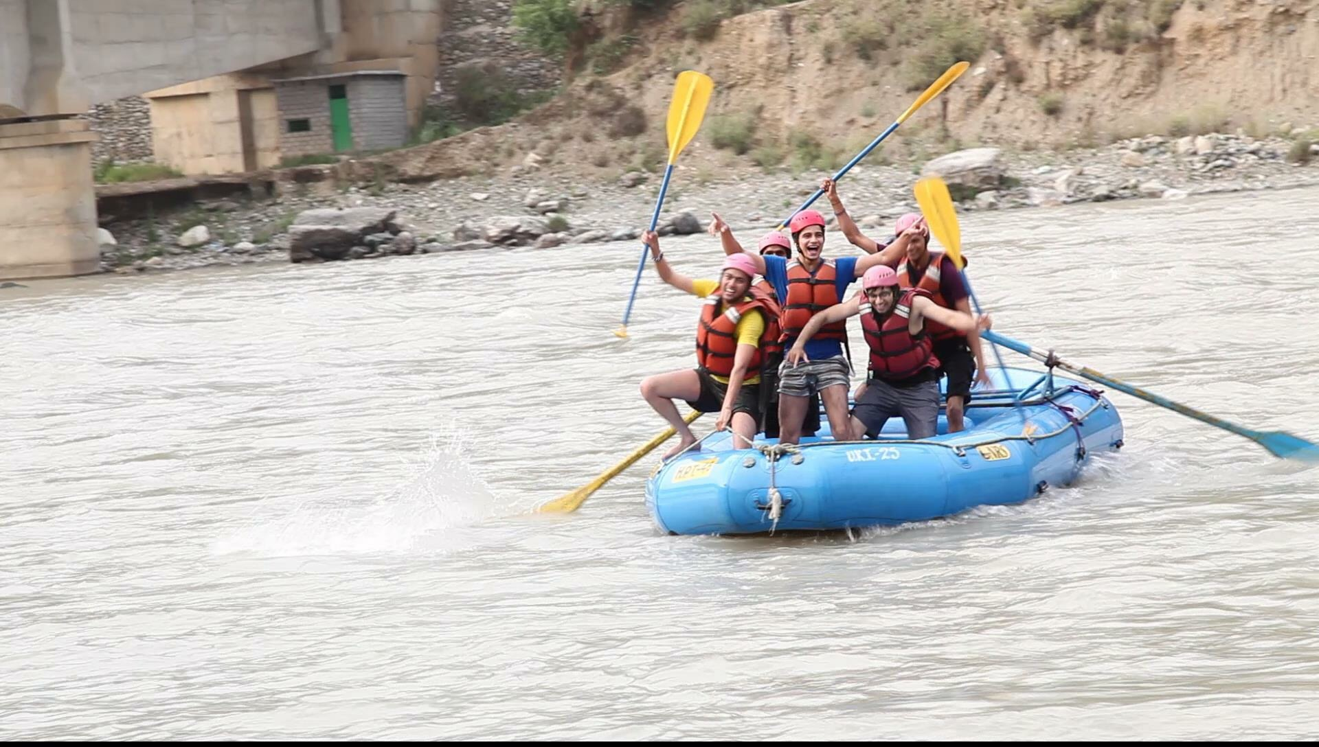 River rafting in Rishikesh, Shivpuri, Hire Bus on Rent Delhi to Haridwar, Bus on Hire Delhi, How to reach Rishikesh