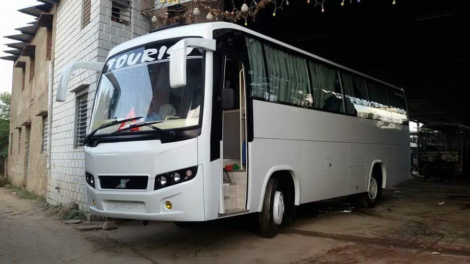 bus on hire in New delhi