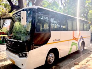 Mini bus hire in Delhi